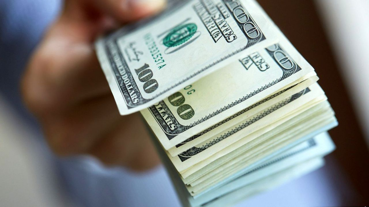 کاهش معنادار قیمت دلار در بازار فردایی