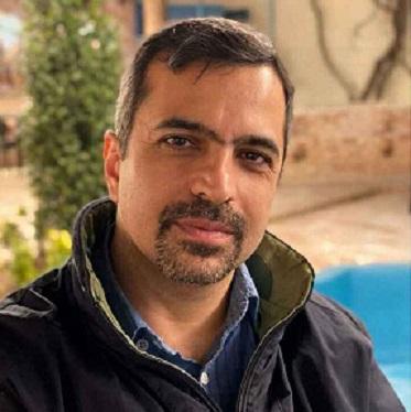 علی اکرمی، روزنامهنگار به دلیل ابتلا به کرونا درگذشت