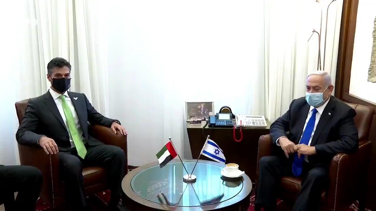 فلسطين المحتلة | نتنياهو والسفير الاماراتي لدى كيان الاحتلال يبحثان إطلاق مشاريع مشتركة بين الجانبين