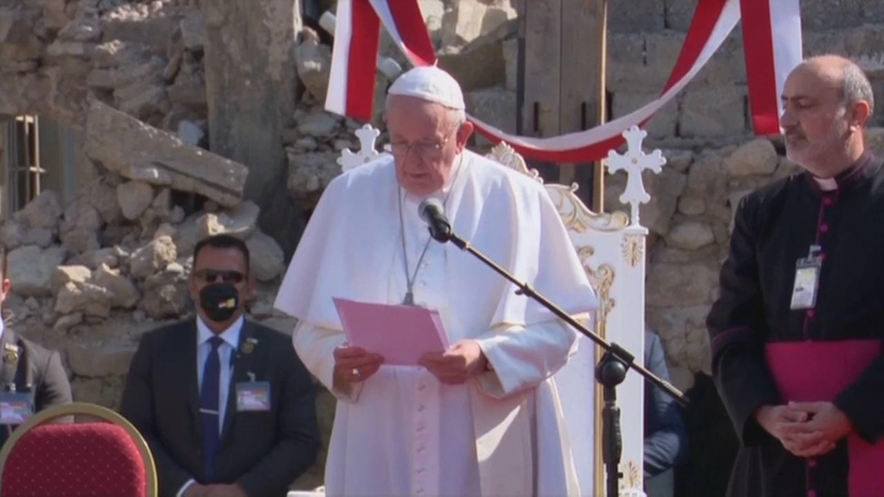 العراق | بابا الفاتيكان: أدعو العوائل المسيحية لتعود الى الموصل وتقوم بدورها الحيوي