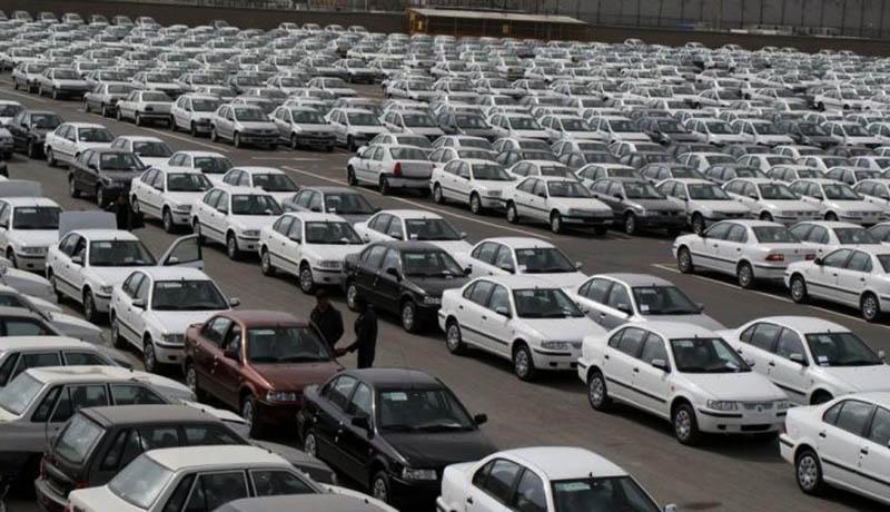 خریداران خودرو  گرفتار دعوای دو نهاد دولتی!