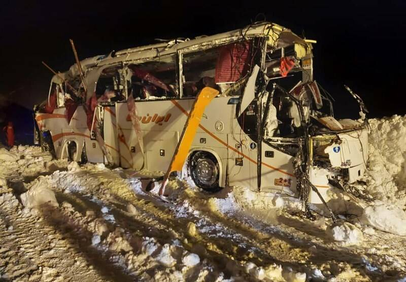 سقوط اتوبوس تیم شمالی به دره و مرگ یک فوتبالیست