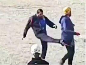 فیلم حمله لباس شخصی به تمرین صخرهنوردان اصفهان