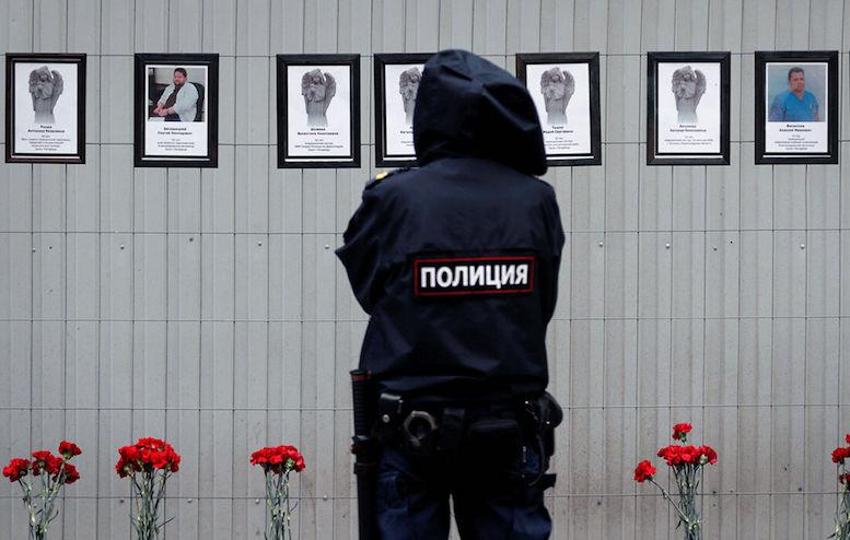 سقوط بحث برانگیز سه پزشک روس از پنجره بیمارستان