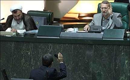 احمدینژادیهای مجلس یازدهم نمیخواهند زیر بلیط اصولگرایان باشند!/ «نقش احمدینژاد» در مجلس چقدر خواهد بود؟