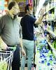 درخواست افزایش نرخ شیرخام به ۳۴۲۰ تومان/ گران فروشی محصولات لوکس لبنی در نبود قانون/ جای خالی حمایت از اقشار کم درآمد!