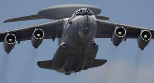 پرواز خلبان و کمکخلبان زن هواپیمای نظامی
