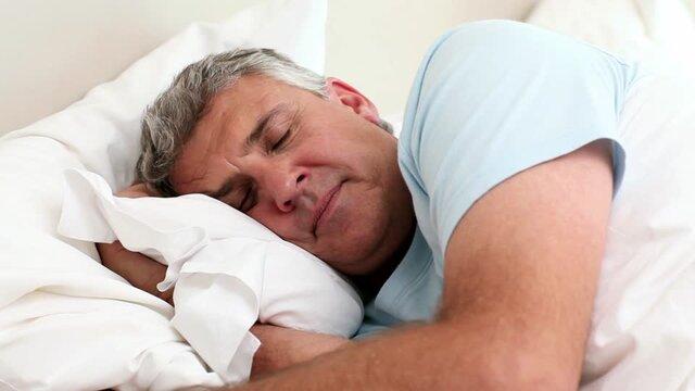 خوابیدن بهتر از بیتحرکی است