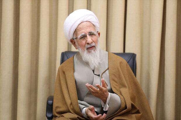قدردانی آیت الله جوادی آملی از خدمات علی لاریجانی