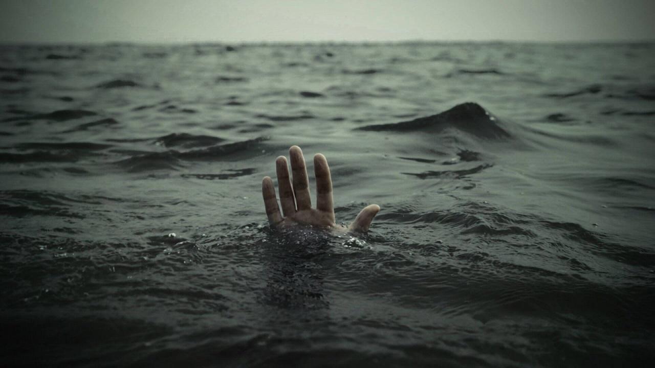 زن جوان در ساحل کنگان غرق شد