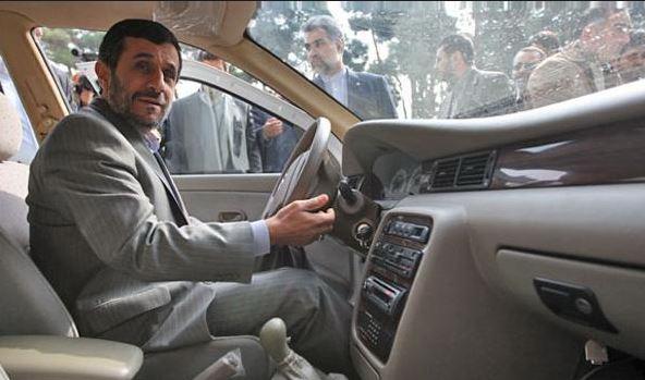 دسته گل ۹۰ میلیون دلاری که احمدینژاد در سنگال به آب داد/ ادعای احمدی نژاد برای داشتن یک کارخانه کامل خودروسازی در داکار/ ساخت کارخانه در بیابان با دلارهای نفتی/ ۱۵۸ میلیون دلار کجاست؟