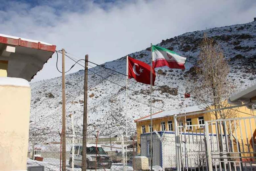 بازگشایی مرز ایران و ترکیه برای تبادل کالا