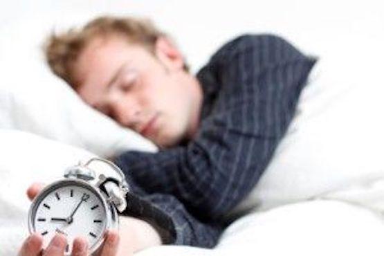 بهترین زمان برای خوابیدن در شب