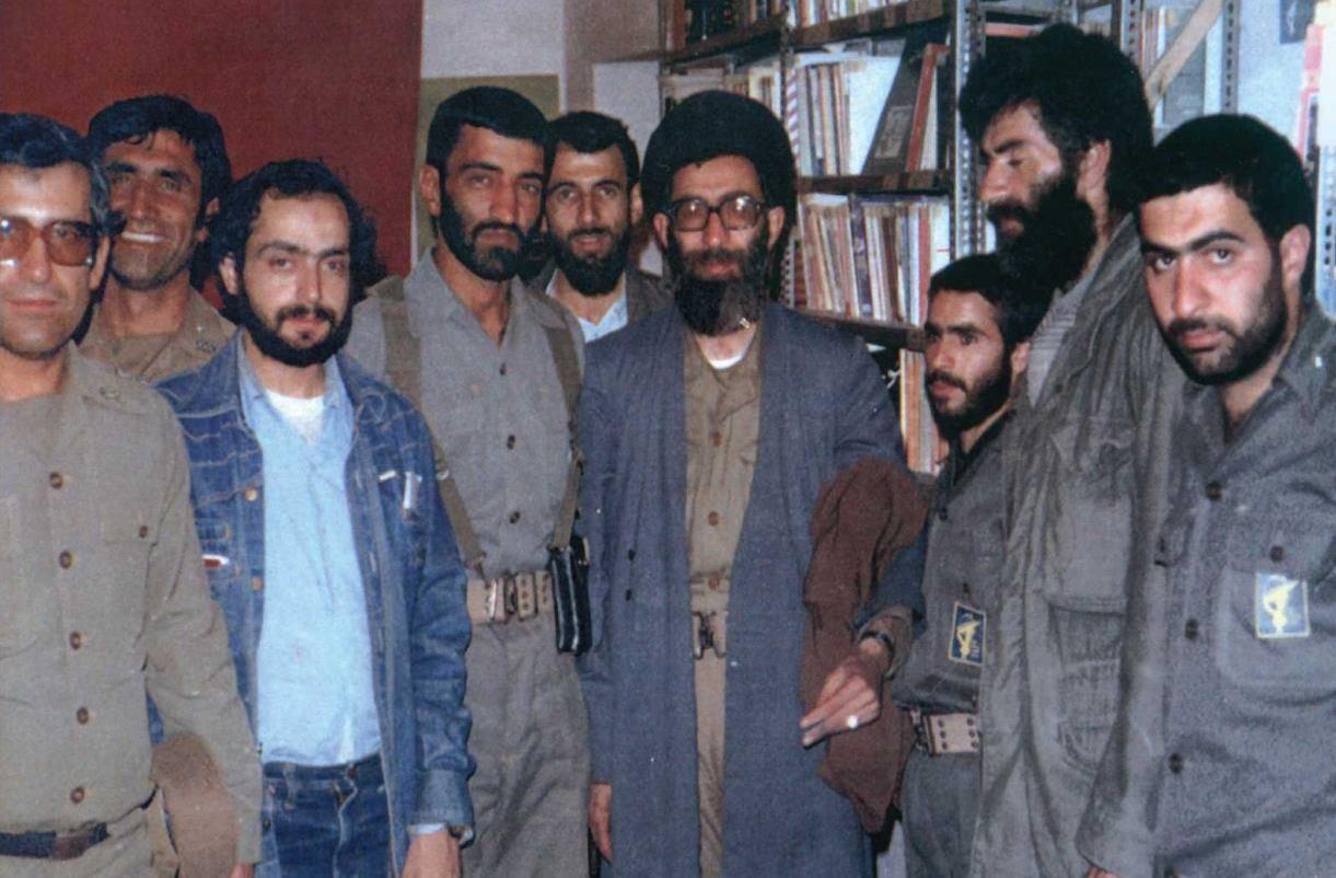 عکس کمتردیدهشده حاج احمدمتوسلیان و رهبرانقلاب - تابناک | TABNAK