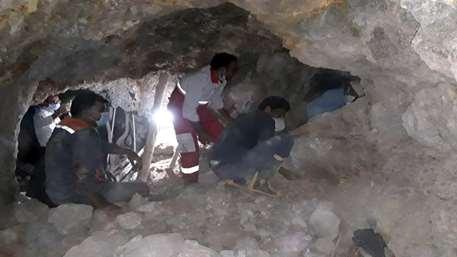 ریزش معدن در گیلانغرب کرمانشاه/ بالگرد و ۳ تیم عملیاتی هلال احمر اعزام شدند