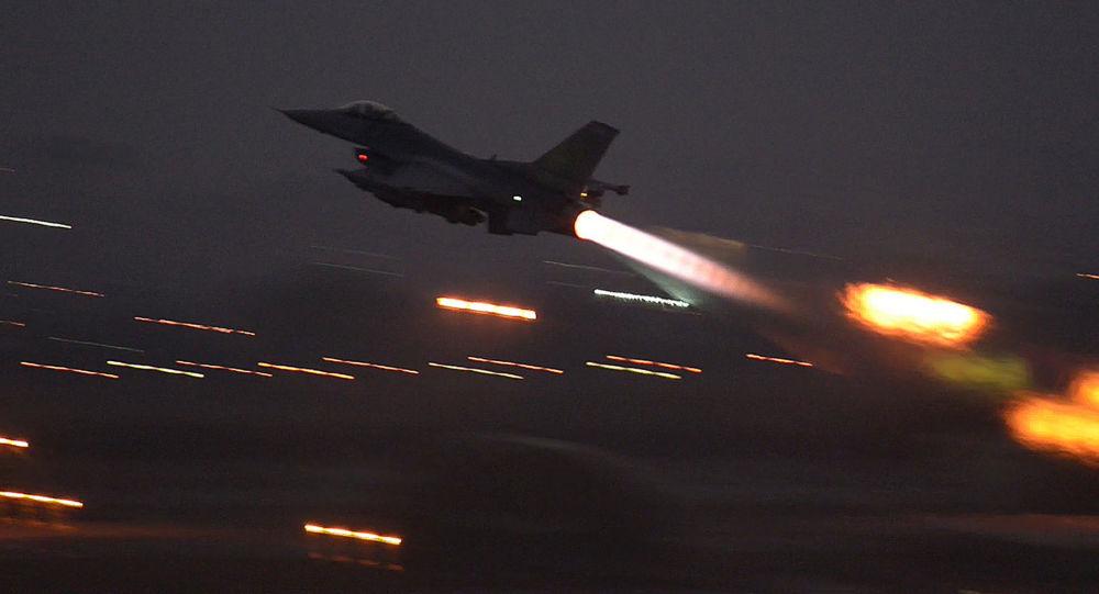 حملات هوایی ائتلاف آمریکایی به تونلهای داعش