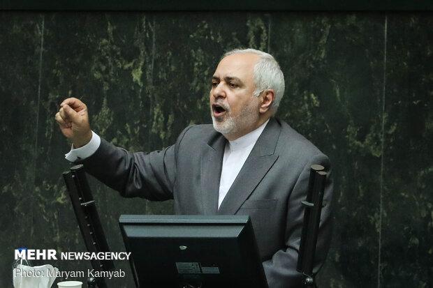 فریاد مرگ بر دروغگو در پارلمان/ ظریف: توهین ها را به جان می خرم
