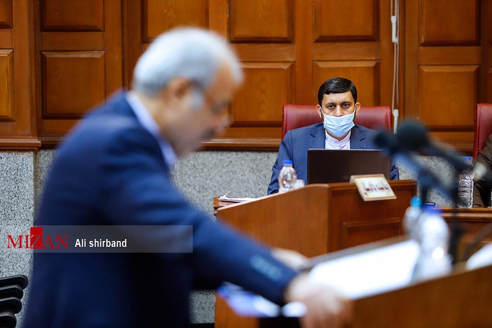 وکیل طبری: پرونده سازی شده/ نماینده دادستان: بار حقوقی دارد و اقدام قانونی خواهیم کرد/ چرا اتهام پولشویی متوجه طبری است؟