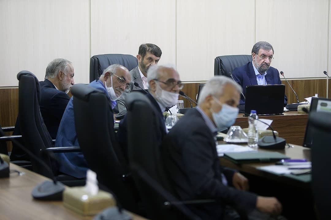 روایت محسنرضایی از گزارش وزرای نفت، اقتصاد و صمت