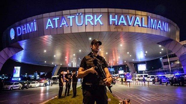 جنجال درباره خبر فروش فرودگاه آتاتورک به قطر/درگیری سنگین میان نیروهای وابسته به عربستان و امارات در یمن/ اعلام جزئیات سفر ظریف به عراق با هیاتی بلندپایه/ حمله شدیداللحن مصر علیه ترکیه
