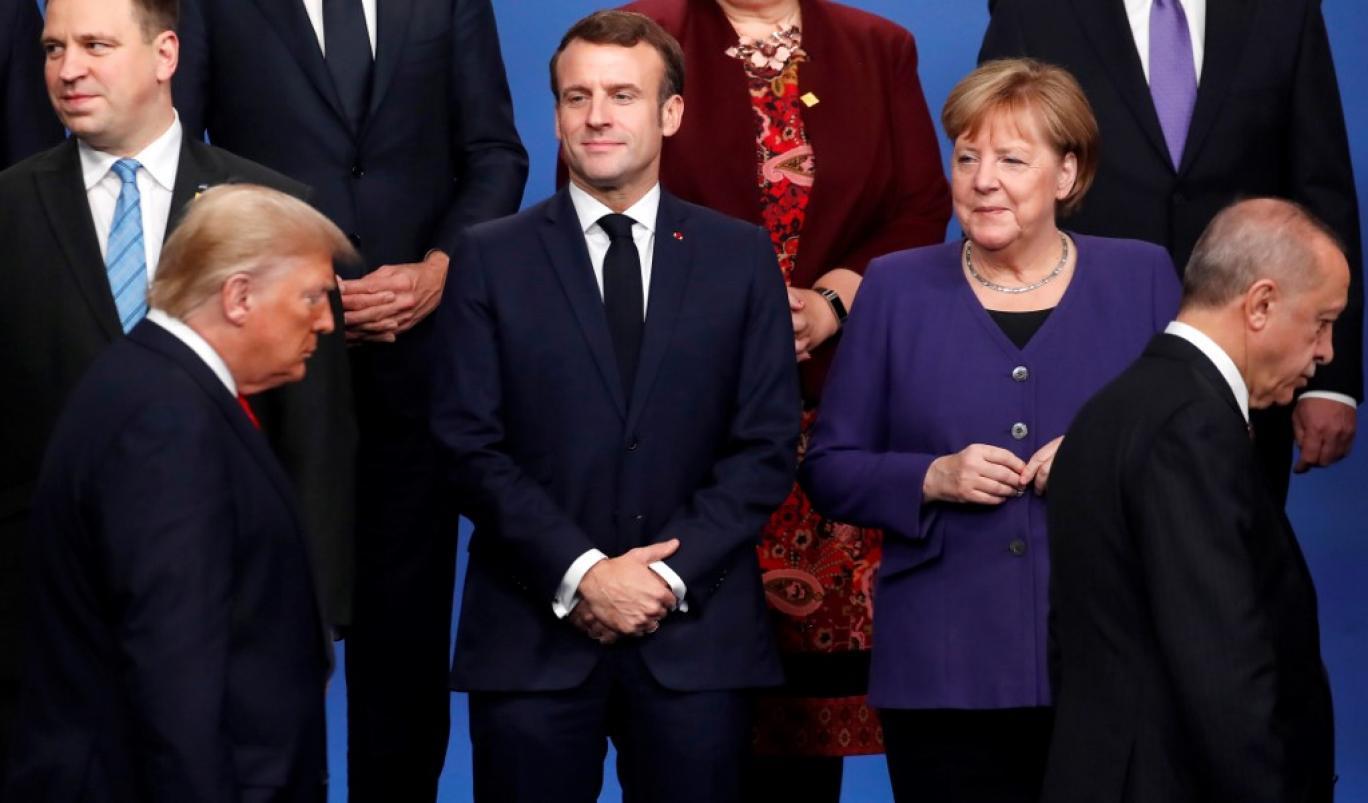 چرا رهبران اروپا از افول رهبری آمریکا بر جهان سخن می گویند؟/ تقابل دو مدل فرانسوی و آلمانی