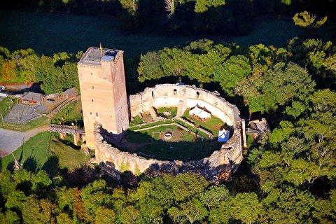 قدم زدن گرداگرد قلعه مونتانر
