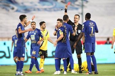 ۲۸ اشتباه بزرگ داوری در فصل جاری فوتبال ایران