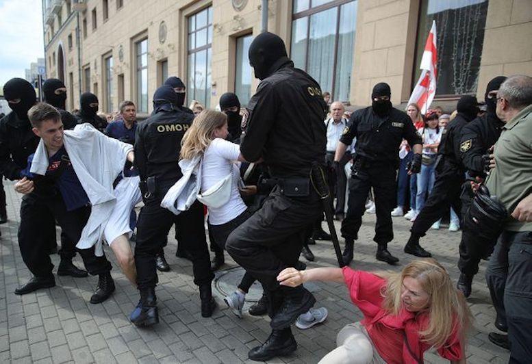 بازداشت دهها نفر در اعتراضات خیابانی بلاروس