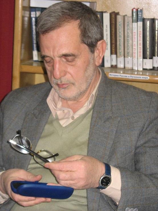 مدیر سابق رادیو تهران به دلیل کرونا درگذشت