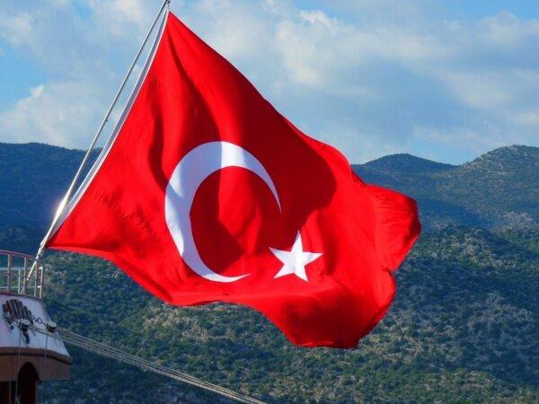راهاندازی کمپین توئیتری تحریم کالاهای ترکیه در عربستان