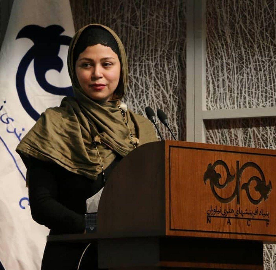 مارال دوستی نویسنده و پژوهشگر، کتابی درباره حافظ تالیف میکند