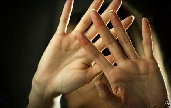 تعرض به دختر دانشآموز در بوتیک