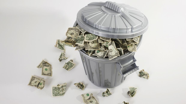 سقوط دلار در برابر یوآن چین در یک روز ۱.۴ درصد شد