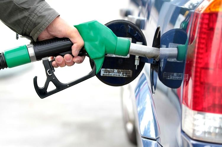 سهمیه بنزین آبان واریز شد