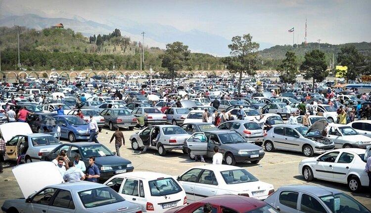 ۲ چشمانداز متفاوت بازار خودرو