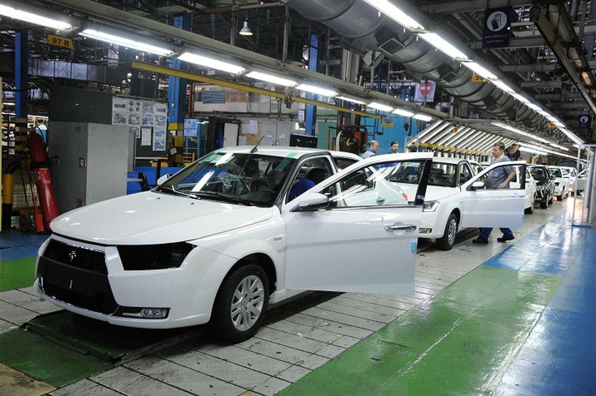 تولید و قیمت خودرو دیگر به یکدیگر وابستگی ندارند/ ۱۱۰ هزار خودرو ناقص کف کارخانهها خوابیده است/ تحت هر شرایطی کارخانه تولید نقدینگی کار میکند