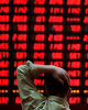 تلخی بیپایان بورس/ توصیه یک کارشناس به سهامداران: صبوری کنید/ احتمال تشدید سیاستهای ضد دلاری در چین/ تغییر ساعت کار بانکهای خصوصی/ قیمتها در بازار خودرو، کاغذی است!