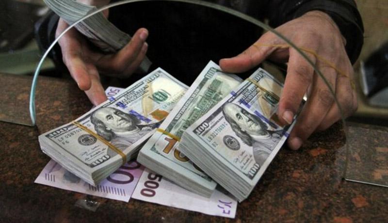 قیمت دلار در بازار امروز دوشنبه ۵ آبان ۹۹/ کاهش قیمت دلار با تاکتیک جدید صرافیها