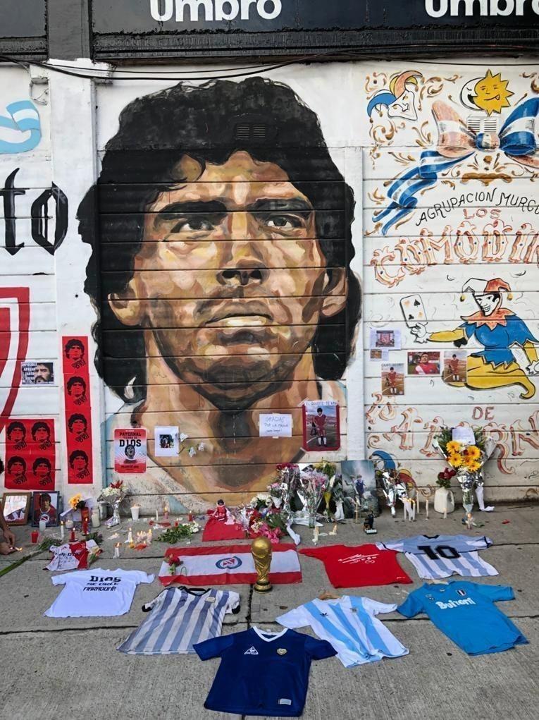 آرژانتینیها در سوگ مارادونا