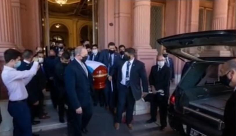 تشییع مارادونا با مراسمی شبیه روسای جمهور فقید