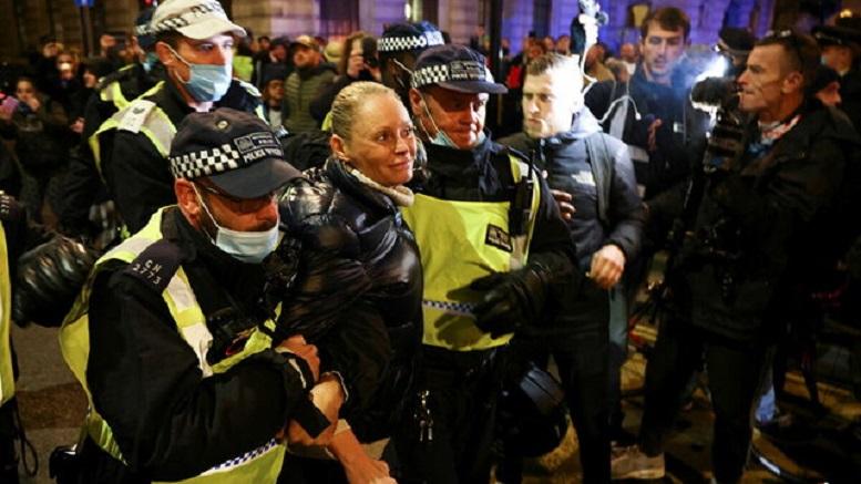 بازداشت معترضان در لندن
