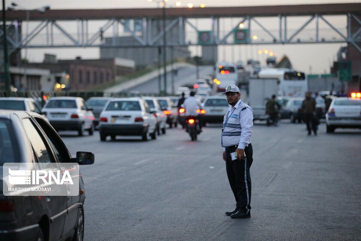 اجرای محدودیتهای کرونایی در روز ۱۳ فروردین/ وزارت بهداشت: سیزده بدر نروید/ ممنوعیت تردد از مقابل خانه تکذیب شد