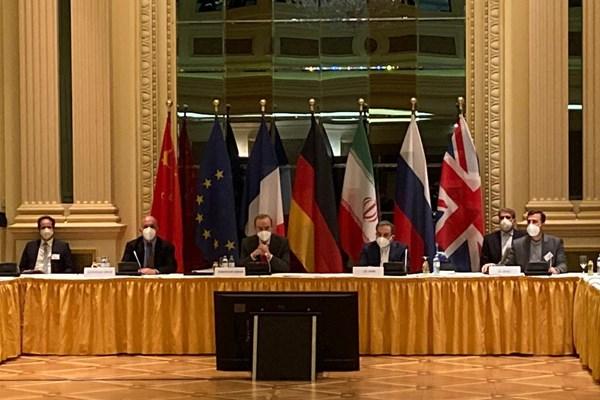 پایان نشست مهم کمیسیون مشترک برجام/ عراقچی: درباره برجام یا فرابرجام مذاکره ای نکردیم/ روسیه: نشست وین موفقیت آمیز بود