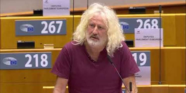 والاس: اتحادیه اروپا در ویرانی عراق نقش داشت