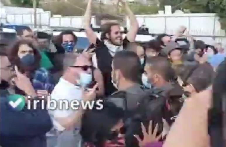 پلیس رژیم صهیونیستی عضو کنست را کتک زد