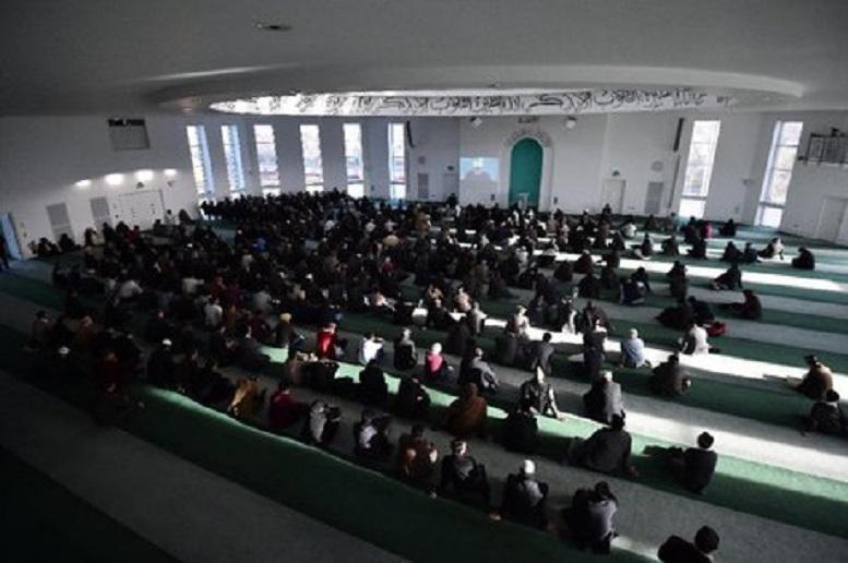 نماز خواندن در دانشگاههای فرانسه ممنوع میشود