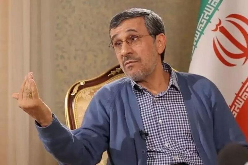 احمدینژاد: از هیچ کسی نمی ترسم