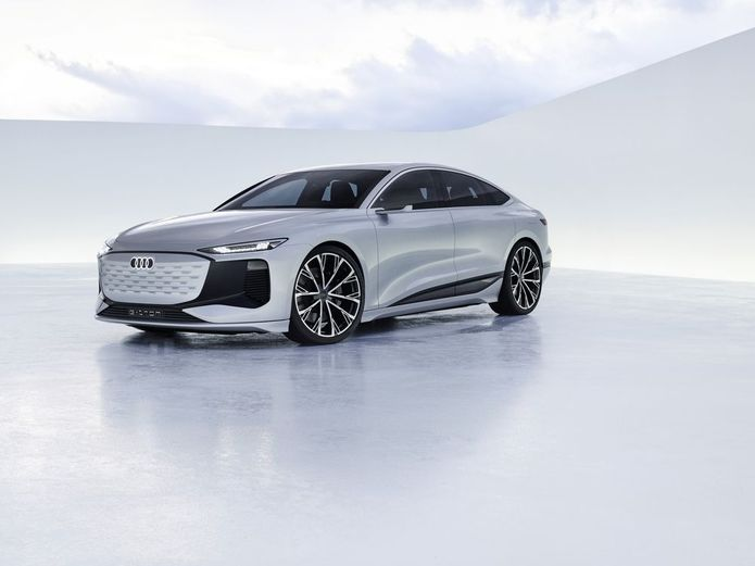 تصاویر جدیدترین خودروی تمام الکتریکی آئودی را ببینید