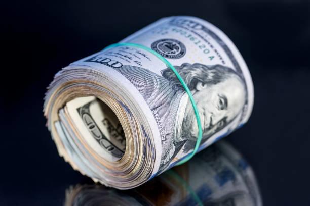 قیمت دلار در بازار امروز سه شنبه ۳۱ فروردین ۱۴۰۰/ تداوم روند کاهشی دلار در بازار ارز