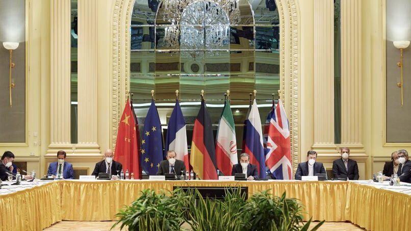 آغاز نشست کمیسیون مشترک برجام در وین  ورود جنگ اقتصادی عربستان با ترکیه به مرحله جدید  گسترش جنگ دیپلماتیک میان روسیه و غرب  استقرار ۱۵۰ هزار نظامی روس در مرز اوکراین
